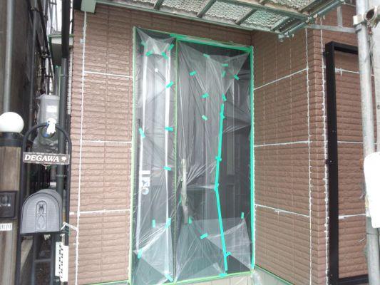 塗装工事中の外壁➀